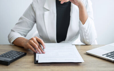 Torn Between Job Offers? 4 Things to Consider