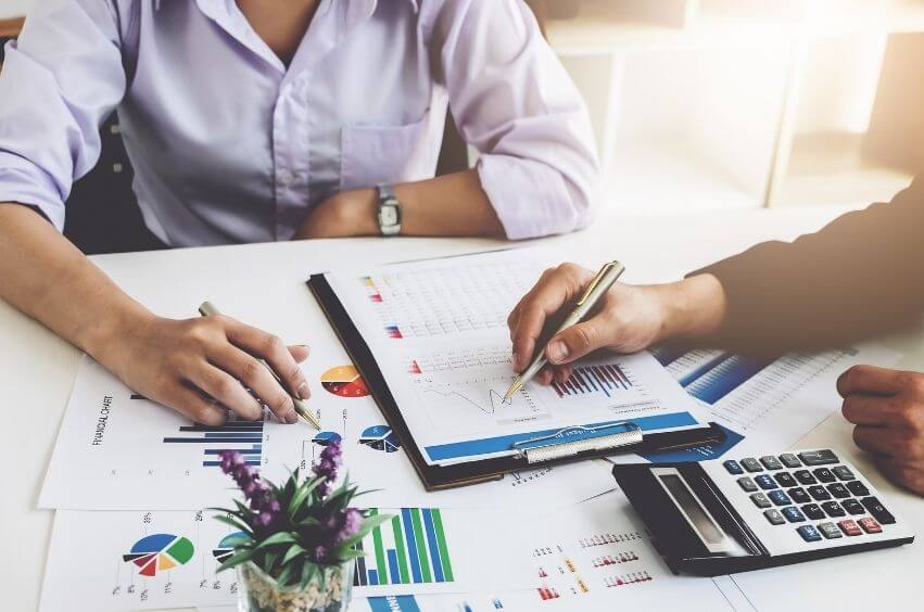 3 ACCOUNTING SERVICES YOUR BUSINESS SHOULD OUTSOURCE